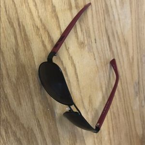 Guess shades